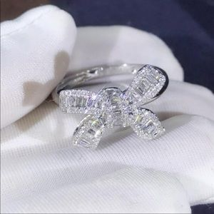 *NEW 925 STERLING SILVER DIAMOND BAGUETTE BOW RING